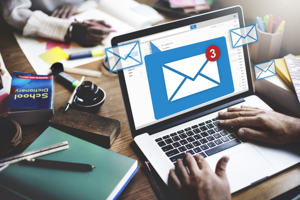 How to open an email | Digital Unite